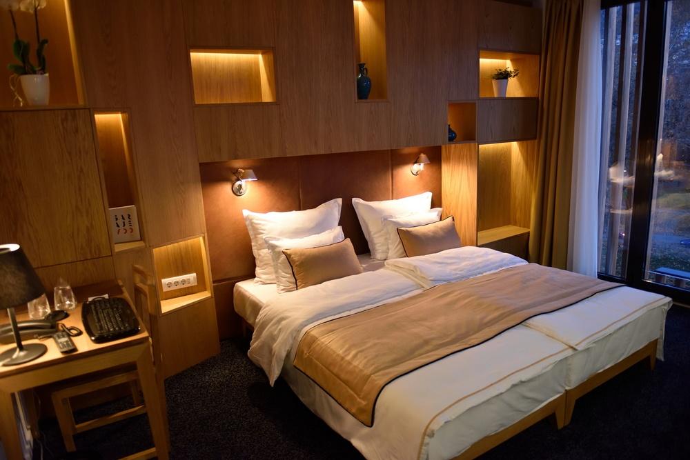 5 Considerations for Smart Hotel Headboard Design