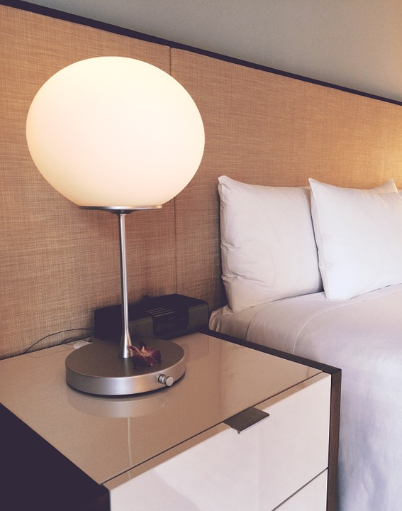 7 Customized Hotel Bedroom Furniture Material & Accessory Styles Guests Love